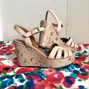 Clarks blush and gold wedges size 6